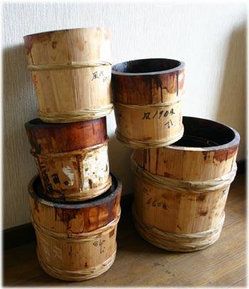 ウルシの樽1
