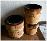 ウルシの樽